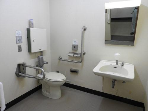 緑水園多目的トイレ